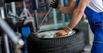 Mechanik pneuservisu pro Hagemann